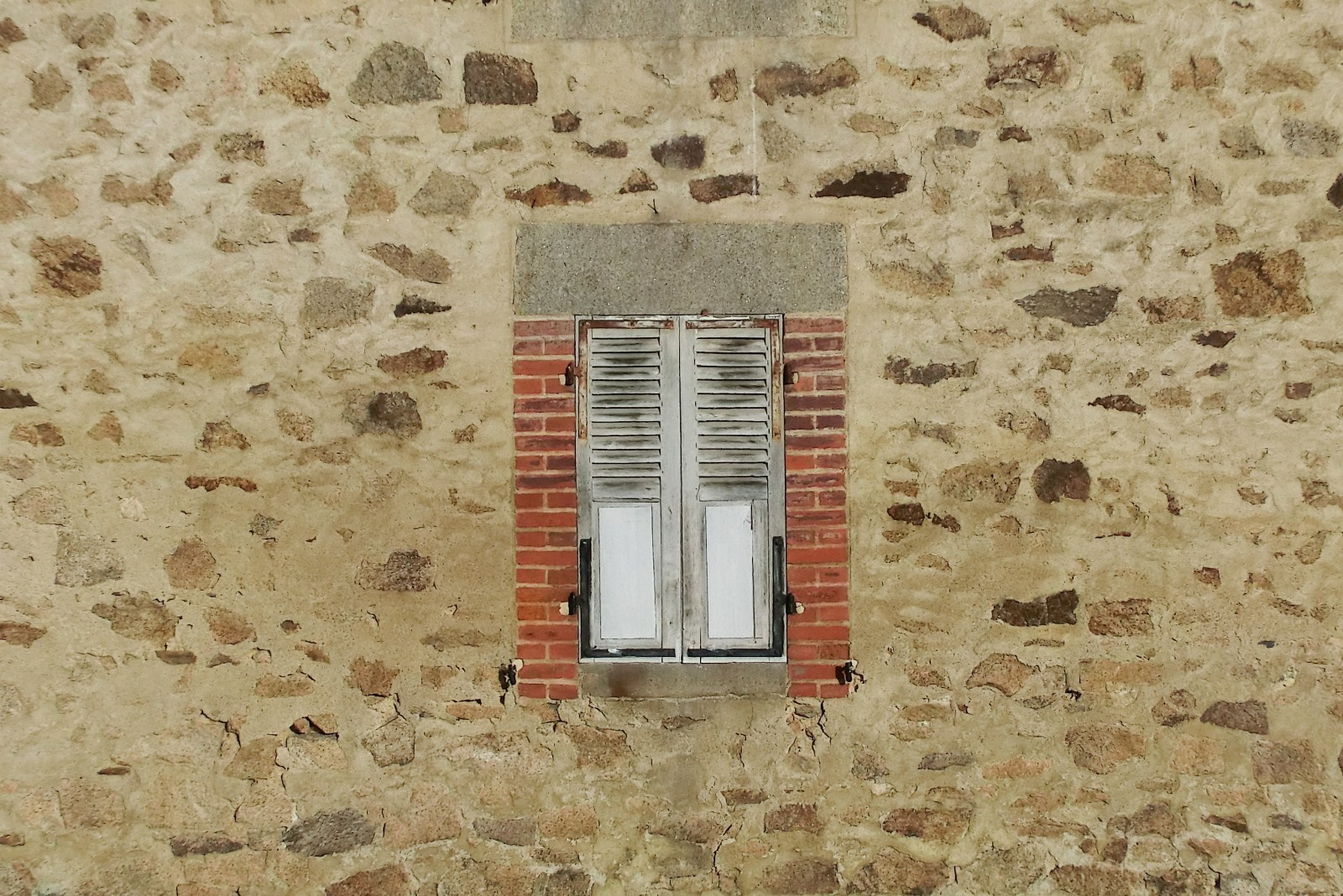 Des portes et des fenetres for Centre de liquidation porte et fenetre
